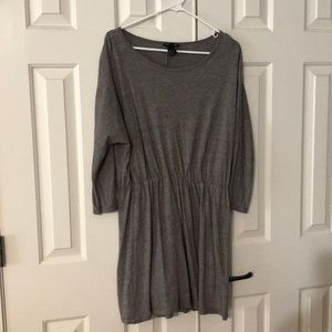 Dresses & Skirts - Gray long sleeve jersey fit dress
